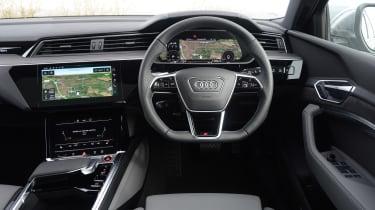 Audi e-tron S - dash