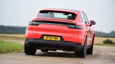 Porsche Cayenne Coupe - rear tracking