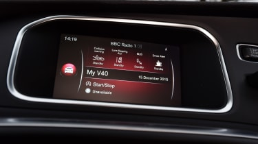 Volvo V40 Cross Country road test - infotainment
