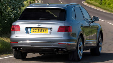 Bentley Bentayga V8 - Rear Tracking