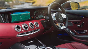 Mercedes-AMG S 63 Coupe - dash