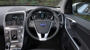 Volvo XC60 R-Design D4 2014 interior