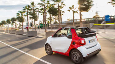 Smart ForTwo Cabrio 2016 - rear tracking