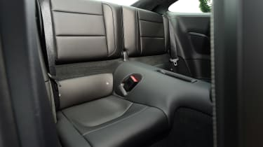 Porsche 911 Turbo S - rear seats