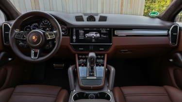 Porsche Cayenne Turbo S E-Hybrid - interior