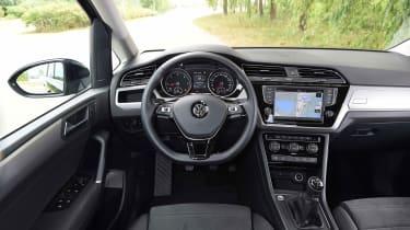 Volkswagen Touran - dash (left-hand drive)