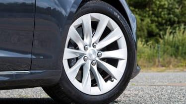 Tesla Model S Long Range - wheel