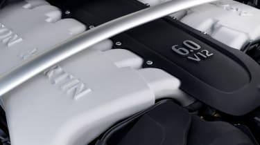 Aston Martin V12 Vantage S 2016 - engine