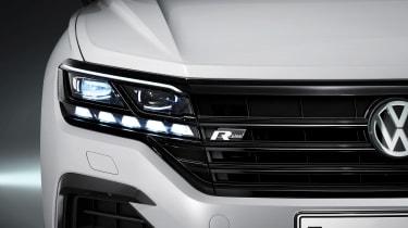 Volkswagen Touareg - front light 2