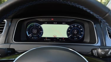 Long-term test - VW e-golf - dials