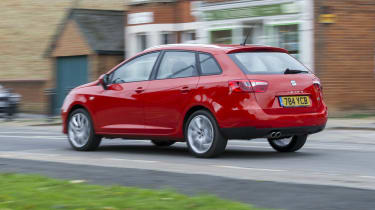 SEAT Ibiza ST rear tracking city