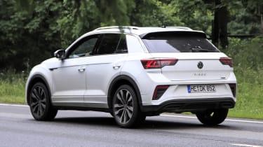 Volkswagen T-Roc - spyshot 13