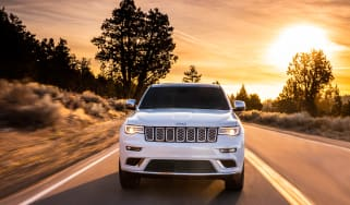 Jeep Grand Cherokee Summit - full front