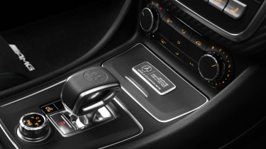 Mercedes-AMG A 45 PETRONAS 2015 World Champion Edition gearstick