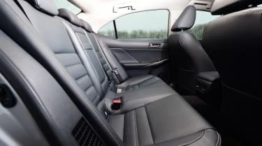 Lexus IS 300h - rear seats