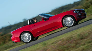 Fiat 124 Spider - side action