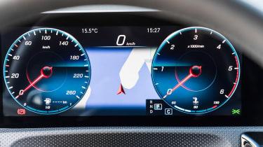 Mercedes CLA - dials