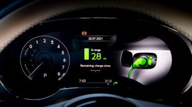 Bentley Bentayga Hybrid - dials