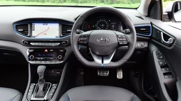 Hyundai IONIQ hybrid 2016 UK - interior