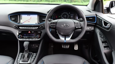 Hyundai IONIQ hybrid 2016 UK - interior