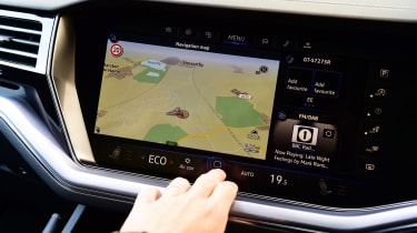 Volkswagen Touareg long termer - first report touchscreen