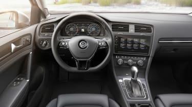 New 2017 Volkswagen Golf Estate - dash