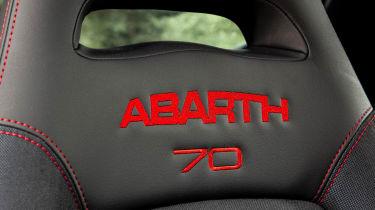 Abarth 595 essessee 70th Edition - headrest