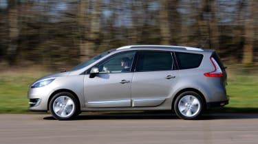 Renault Grand Scenic panning