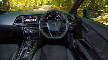SEAT Leon ST Cupra 300 Carbon Edition - steering wheel