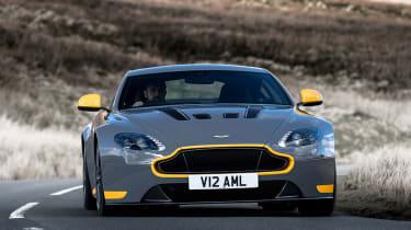 Aston Martin V12 Vantage S 2016 - head on