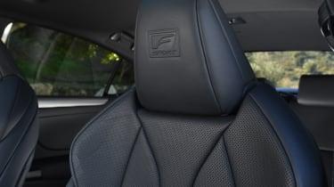 Lexus es 300h interior seats