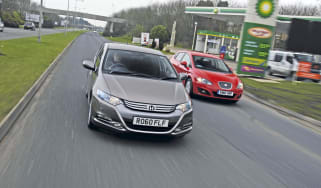 Honda Insight vs. Leon Ecomotive