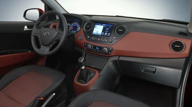 Hyundai i10 2016 facelift - interior 2