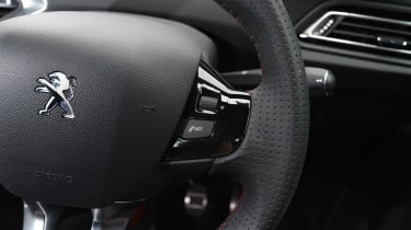 Peugeot 308 GTi - steering wheel detail