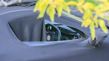 McLaren 650S replacement - spyshot interior
