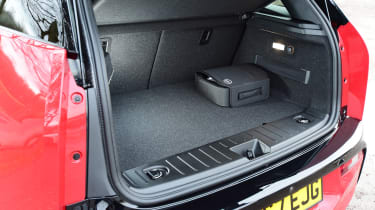 BMW i3s - boot