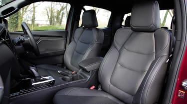 Isuzu D-Max - front seats