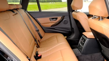 Legroom in the rear is identical to the saloon - headroom is increased.