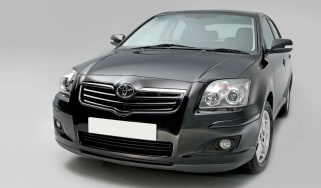 Toyota Avensis front static