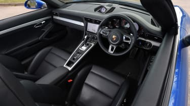 Porsche 911 Targa 2016 UK - interior 2