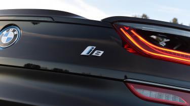 BMW i8 - badge