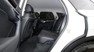 Volkswagen Touareg - rear seats