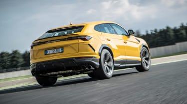 Lamborghini Urus - track rear