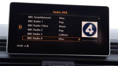 Audi Q5 - radio