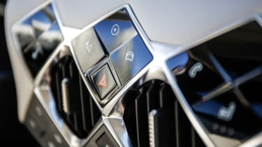 DS 3 Crossback E-Tense - interior controls