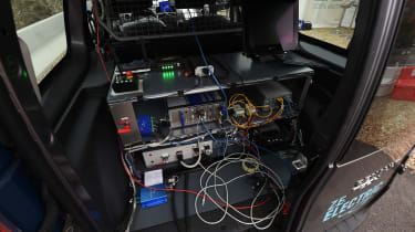 Renault Kangoo wireless charging system