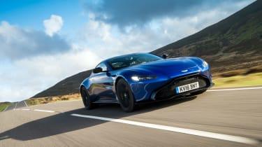Aston Martin Vantage - front action