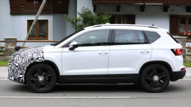 SEAT Ateca spied - side tracking