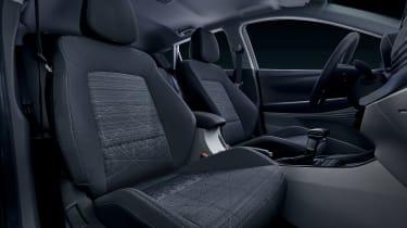Hyundai Bayon - front seats