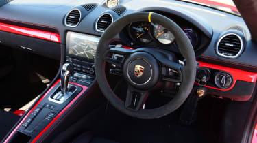 Porsche Cayman GT4 PDK - interior